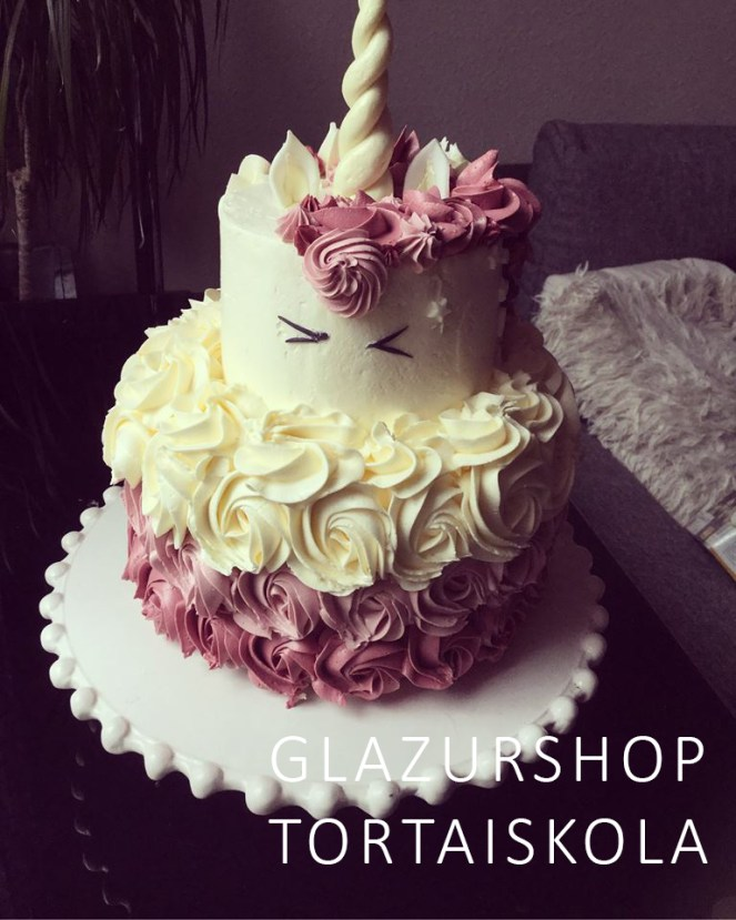 unikornis-torta-keszitese-tortaiskola-1-1