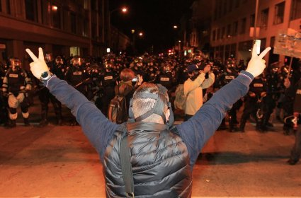Occupy protesters disavow Oakland violence Nov.3 2011