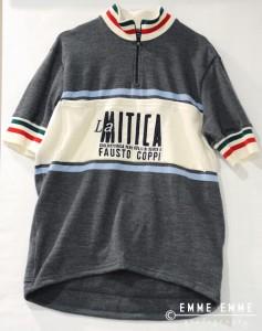 La maglia ufficiale de La Mitica è stata presentata agli incontri cicloletterari