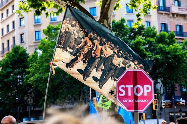 La Bandiera del Quarto Stato alla manifestazione contro Salvini