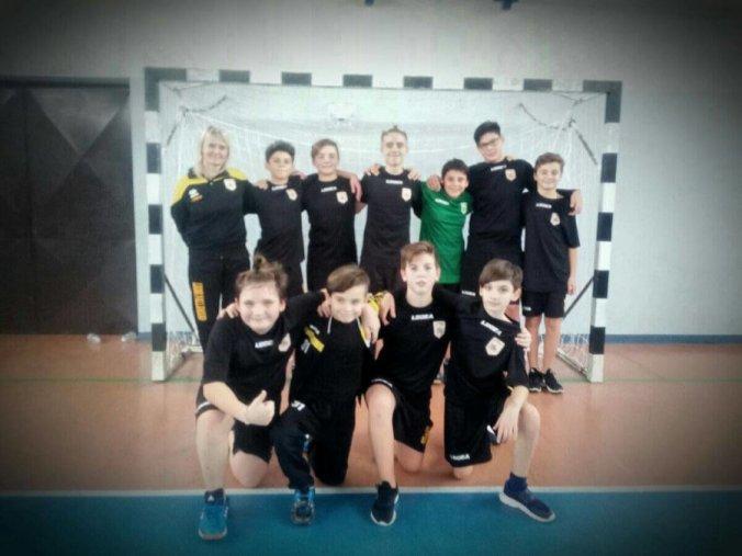 La formazione Under 13 dei Leoni Pallamano Tortona