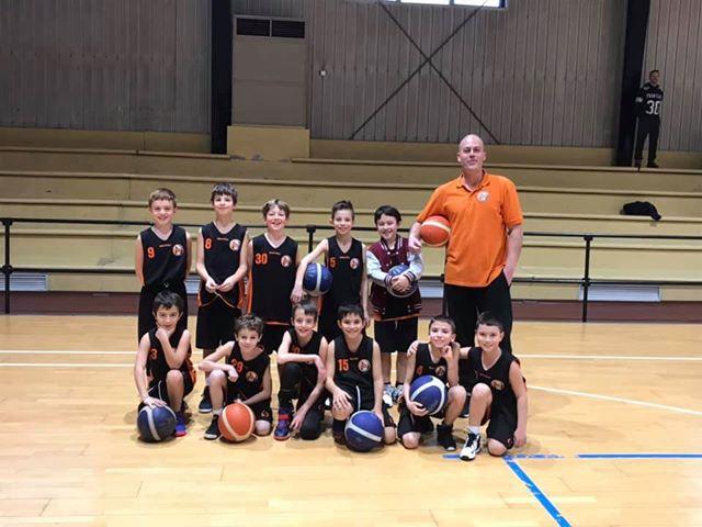 Nuovo Basket Tortona - Gli Aquilotti con il coach Paolo Mossi
