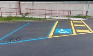 Tortona vara il posto moto per disabili, in molti non ci arrivano e criticano