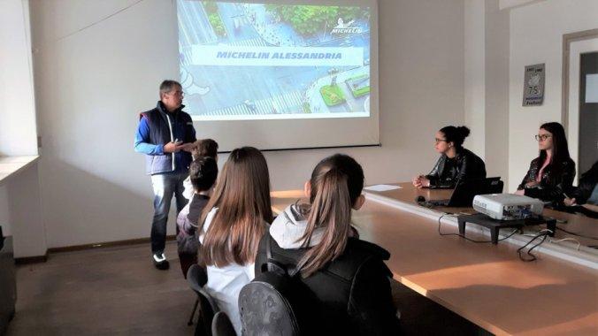 Gli studenti del Marconi assistono ad una lezione di Alfio Rebuffo