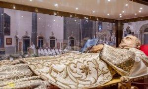 Mons. Viola prega don Orione, anche tanti giovani alla festa del Santo di Pontecurone