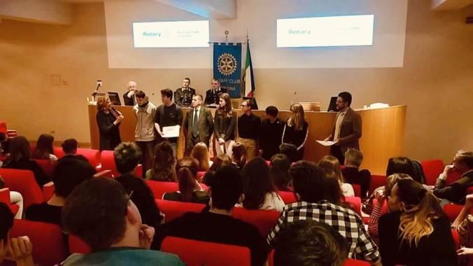 Premiati i giovani costruttori di una società etica