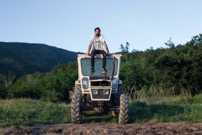 Maurizio Carucci sul trattore