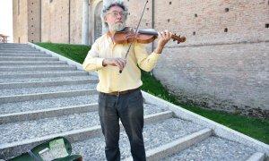È prematuramente scomparso il violinista cantastorie Raffaele Nobile