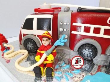 tort masina pompieri 1