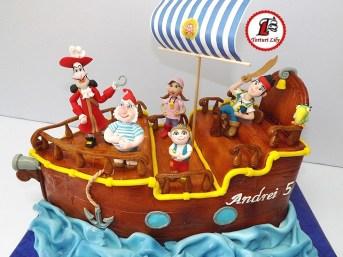 tort piratii din tara de nicaieri 2