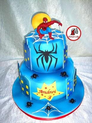 tort spiderman etajat