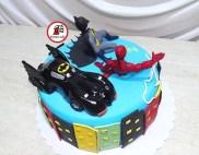 tort-spiderman-si-batman