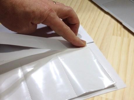 11 カードケースの先端にマスキングテープを合わせる