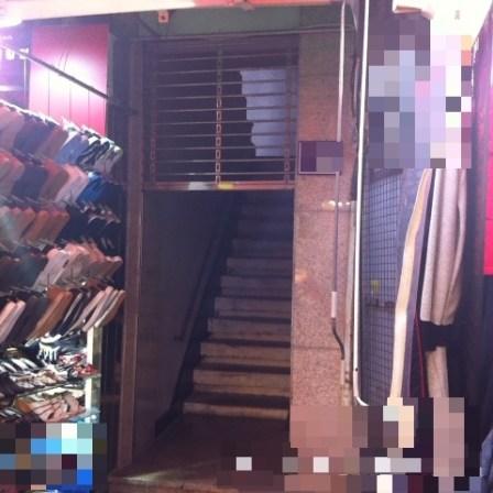 こんな階段が、、、。