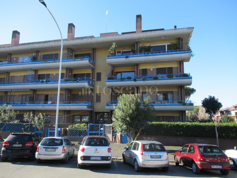 vendita Casa a Roma in Piazza Eschilo Axa 32019  Toscano