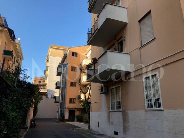 vendita Casa a Roma in Piazza di Villa Fiorelli  Villa