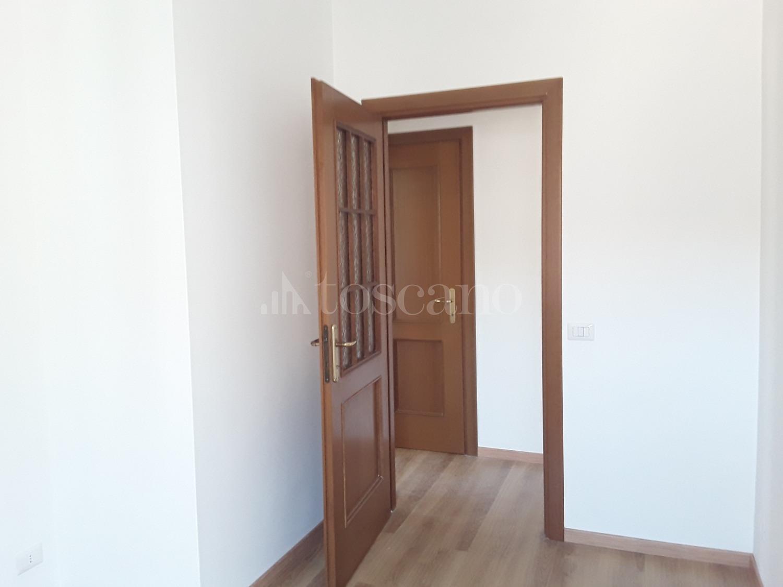 affitto Casa a Roma in Via Renato Massa Dragona 992019