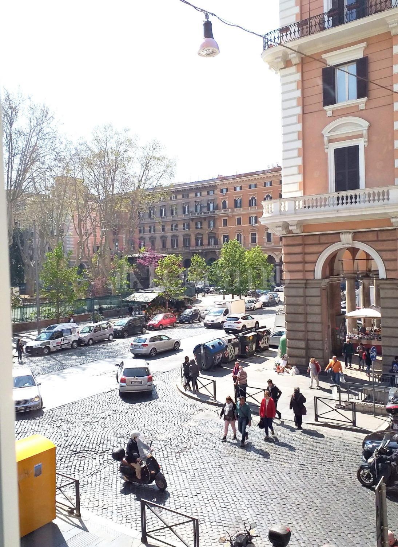 vendita Casa a Roma in Piazza Vittorio Emanuele II