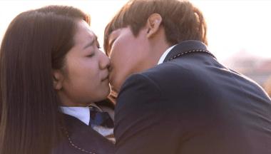 Park Shin-hye3