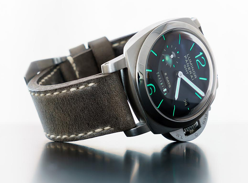 Panerai 233 on Storm grey leather with natural stitching. © Martin Tyler