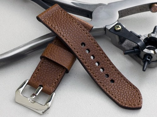 Bacchus leather with light brown stitching