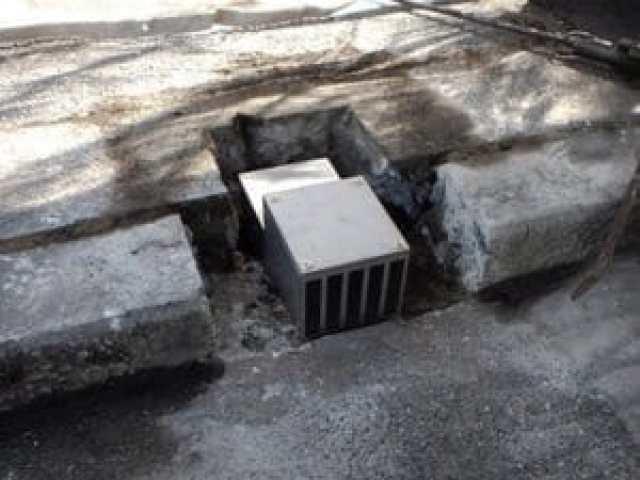 橋梁用 地覆 横引 排水装置 プレテンホロー 10