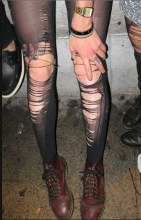 4. Overly-ripped tights