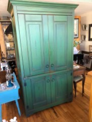 Doolings Country West Armoire