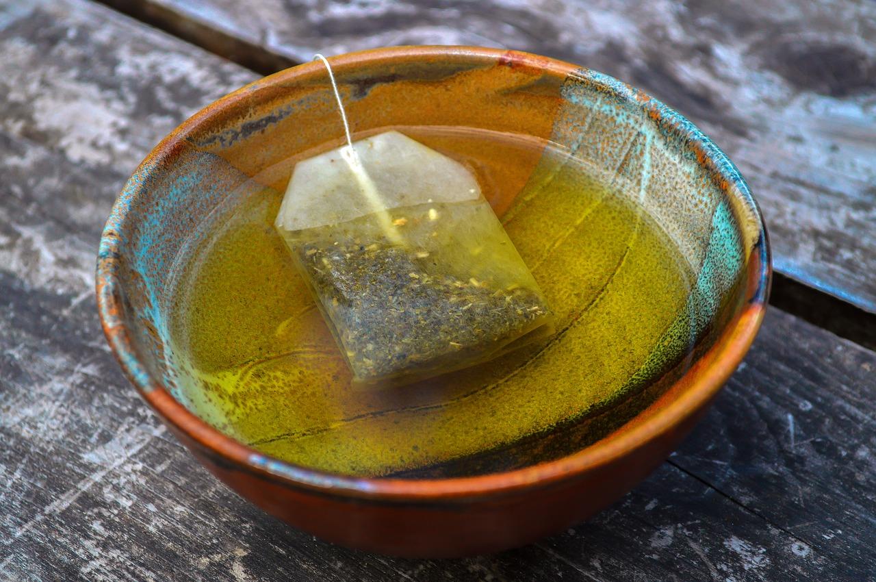 緑茶のティーパックで抽出したお茶