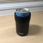 サーモスの缶ホルダーに缶を入れてみた