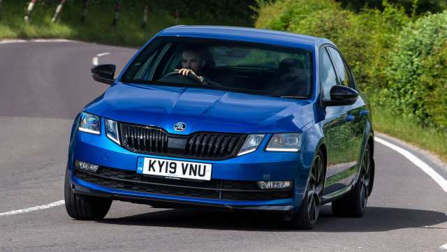 Skoda Octavia Total Locker Service