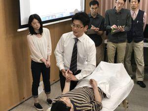 脈診実技の写真