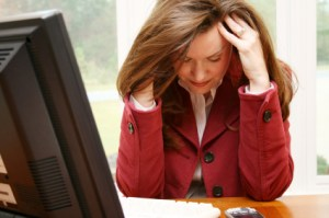women without computer glasses experiencing computer eye strain