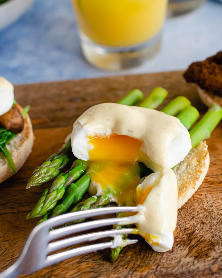 five ways to poach eggs
