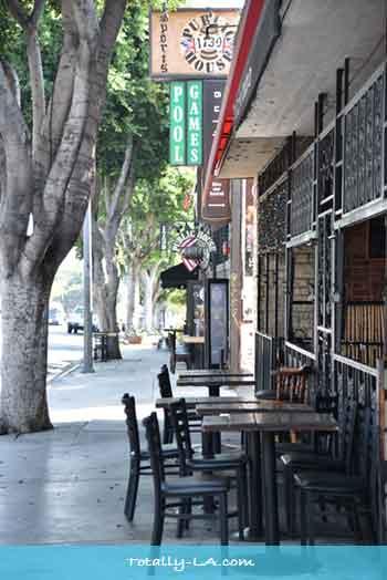 la bars and pubs