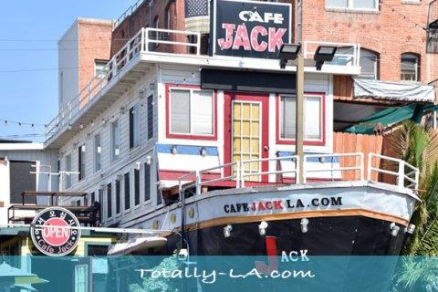 titanic themed restaurant