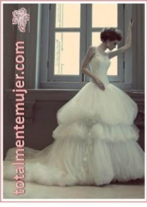 hermoso vestido de novia abultado amplio