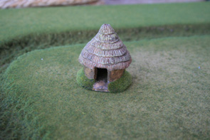 R15BH300 Iron Age Hut (Small)