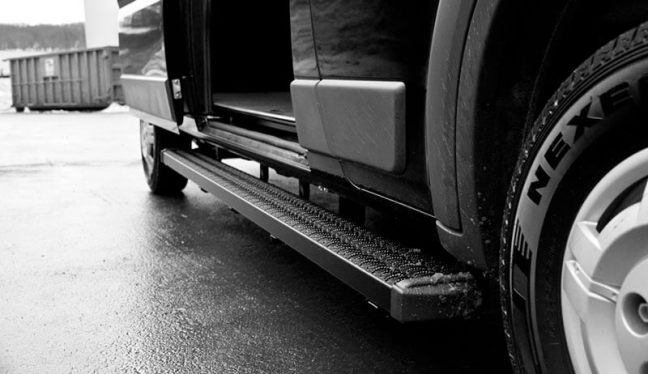 LUVERNE Grip Step 7 Inch Running Boards