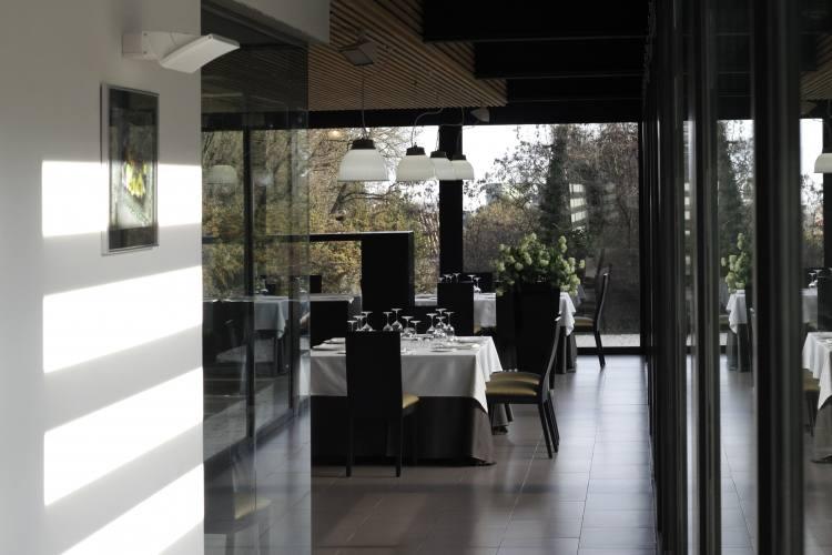 hostaleria restaurant osona