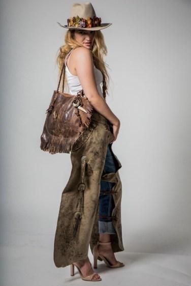 Eleanor w/Chaps Bag