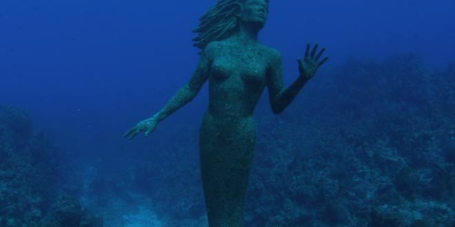 visit underwater museum in cancun