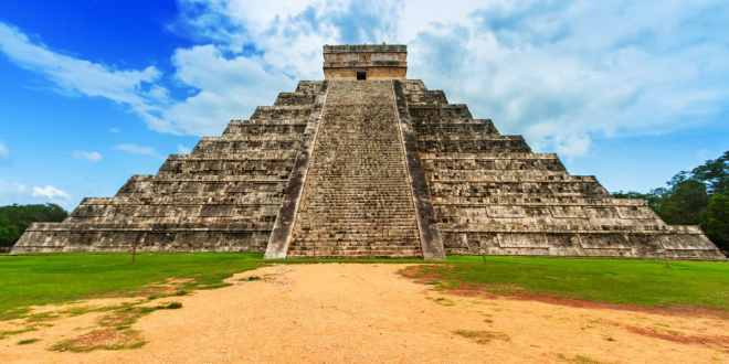 Krystal Cancun Timeshare Explores Chichen Itza
