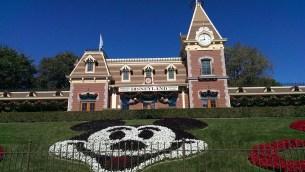Tripps Travel Network visits Disneyland railroad stop