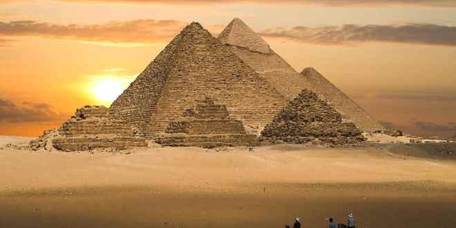 World Wonders: The Pyramids of Egypt
