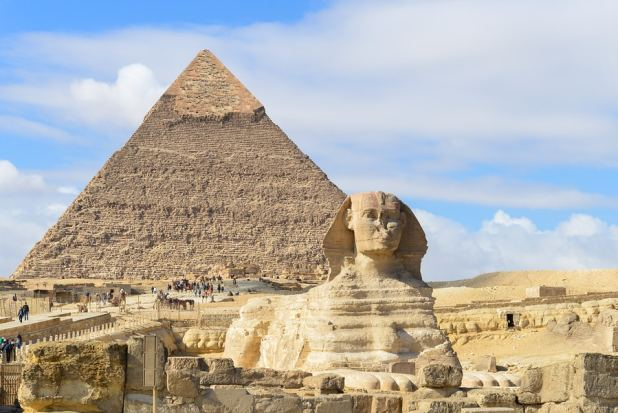 The Great Pyramids of Giza – World Wonders