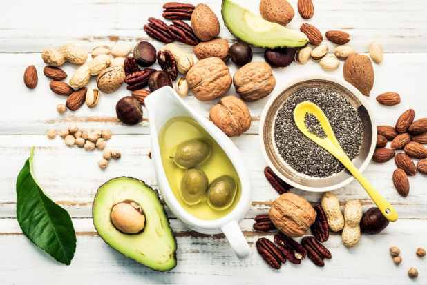 Which Superfoods Help Lower Cholesterol and Fight Infections (1)