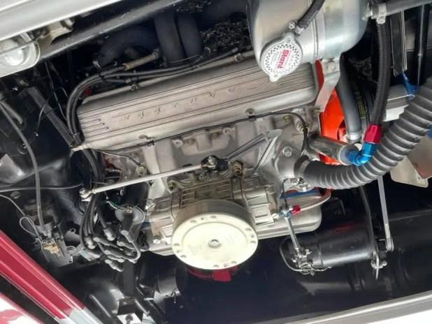 Corvette 1962 model engine