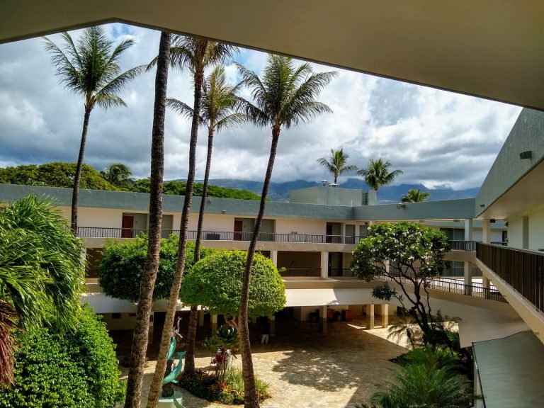 Open Air Maui Resort scaled - Traveling to Maui during COVID may not be what you expect!