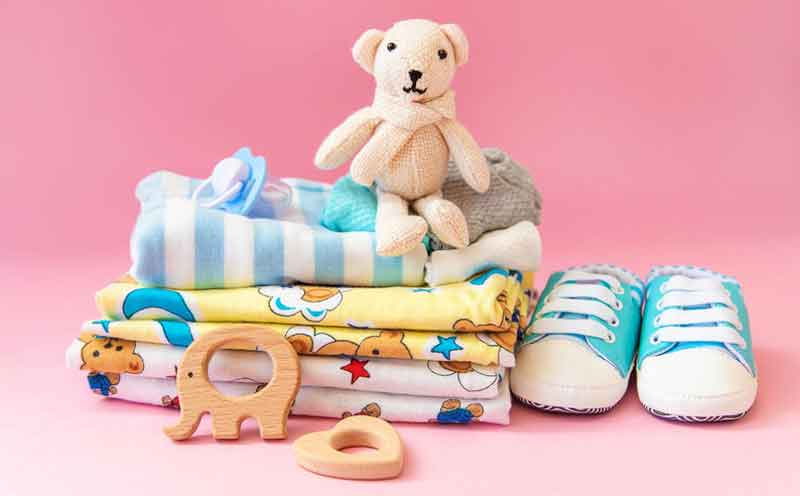 what to pack in baby changing bag